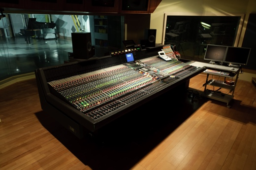 bauer-studios-studio-1-control-room